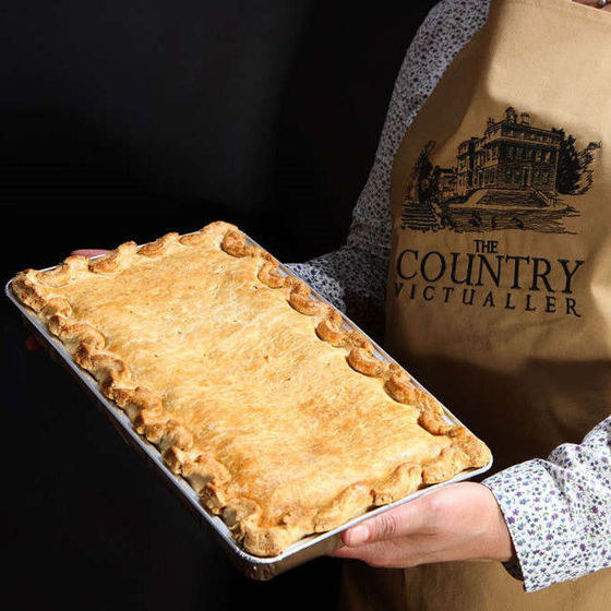 Picture of Family Sized Pies (Frozen) Steak and Ale (1.2kg)