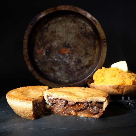 Picture of Large Steak, Guinness & Cheddar Pie